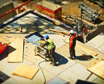 operai-a-lavoro-in-cantiere