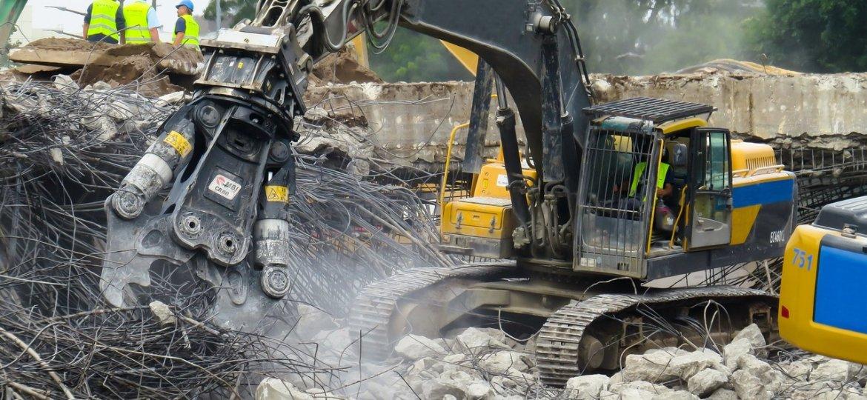 ruspe-calcinacci-operai-demolizione
